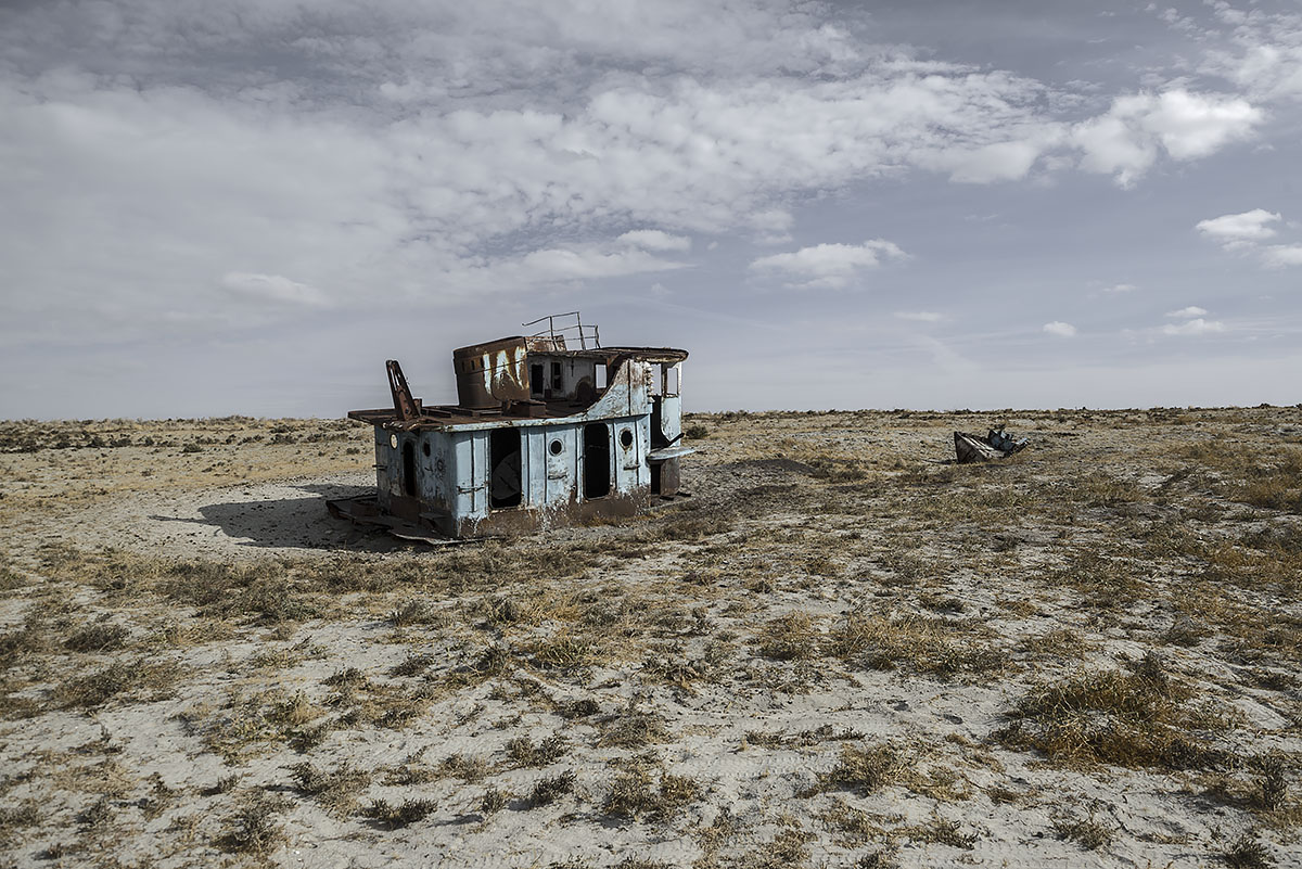 stranded #32, kazachstan, 2015 (the aral sea shrinked to 10% of its size after the rivers that fed it were diverted by soviet irrigation projects)