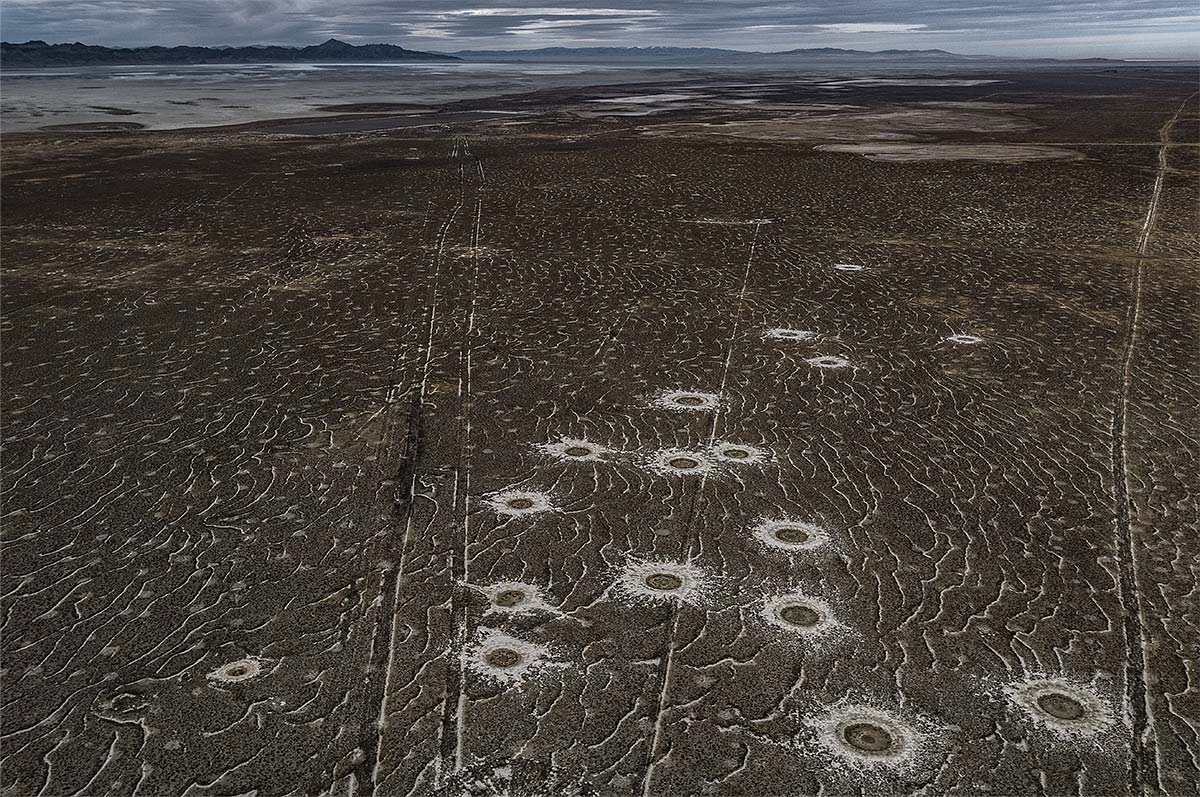 leftscape #7, usa, 2017 (test range on the salt flats in utah)