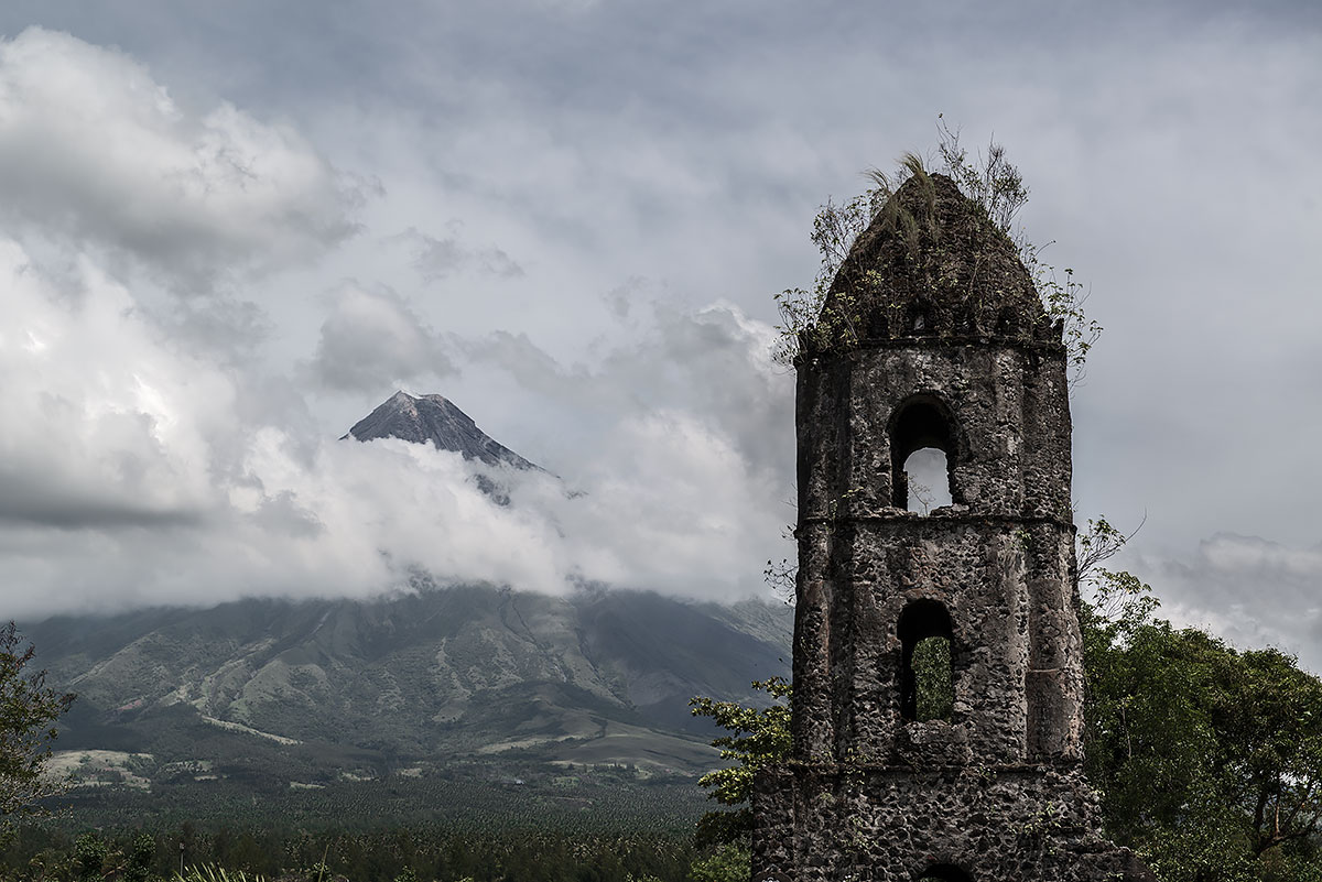 faithless #43, philippines, 2014 (village was abandond after a volcano eruption)