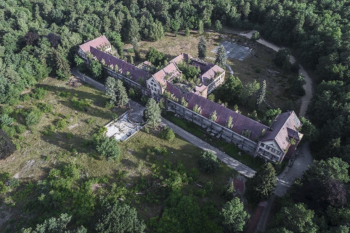 lost berlin #6, germany, 2017 (the Beelitz hospital was built from 1898-1930 and had 60 buildings. After WW2 used as Soviet Army hospital. Many buildings remain abandoned since the 90s)