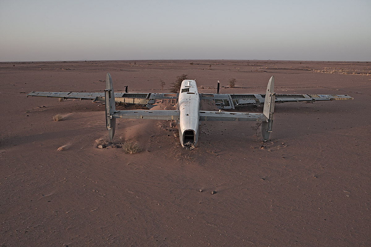 in peace with itself, happy end #4.2, westsahara, 2011 (avro shackleton pelican, SAAF 1957-84, in 94 restored, on transfer to UK, all 19 saved by polisario rebels in jul94)